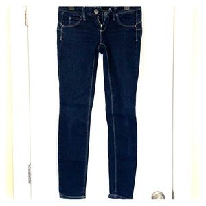 🔥3/$20 United Colour of Benetton jeans size 28